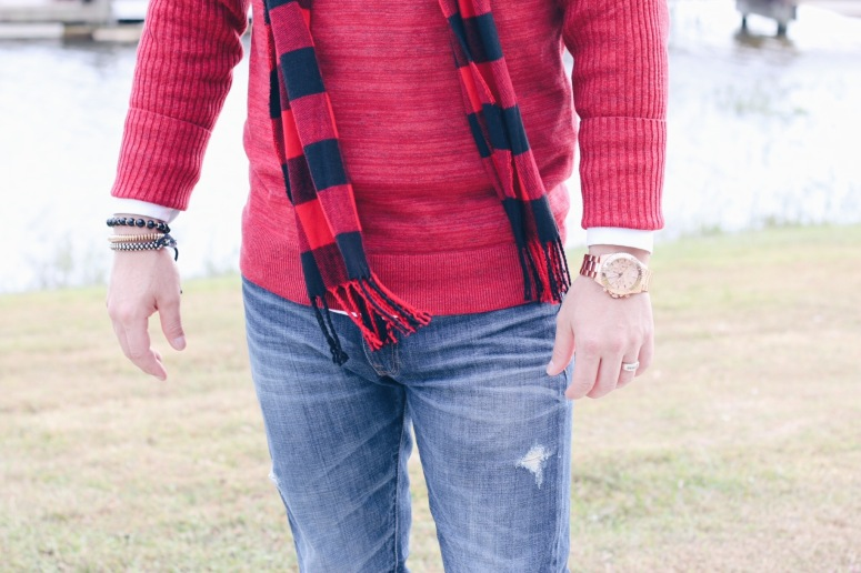 Outfit-Details-Denim-Red-Sweater-LaModaMenStyle-Eggy-Trevino.JPG