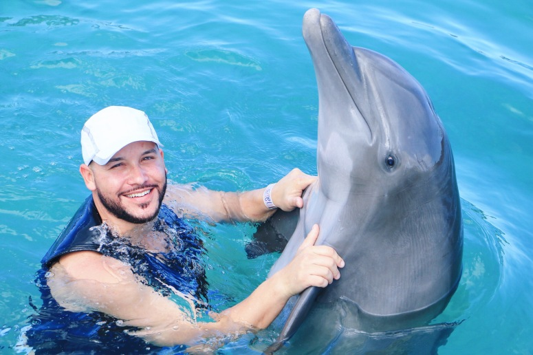 Swimming-With-A-Dolphin-LaModaMenStyle-Eggy-Trevino.JPG
