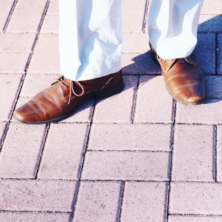 Walking-Slowly-Eggy-Trevino-LaModaMenStyle.JPG